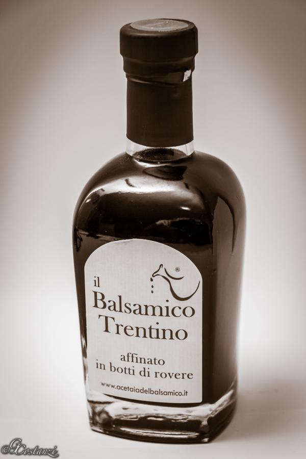 Aceto-Balsamico-(Duotone).jpg